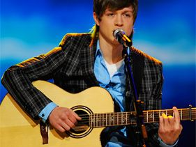 "Alex Lambert performs on ""American Idol"""
