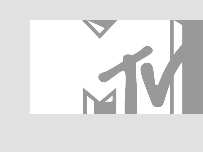 Jason Aldean and Kristen Bell rehearse for the 2013 CMT Music Awards at Nashville's Bridgestone Arena.