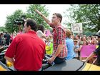 Scotty McCreery arrives in his hometown